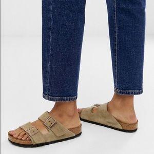 Size 39/W 9 Arizona tan suede Birkenstock's
